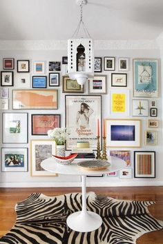 Living Inspired: Gallery Wall Obsession