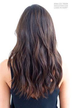 Medium/long layered hair with beach waves. Haircuts For Long Hair With Layers, Long Layered Hair, Medium Long Hair, Medium Hair Styles, Long Hair Styles, Long Hair Cuts, Hair Cut Lengths, Hair Game, Hair Highlights
