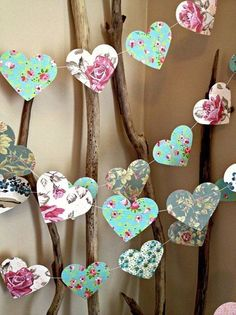 10 ft Paper Heart Garland - Vintage Shabby Chic Roses - wedding decoration, party decoration, baby shower decoration, high tea by Susan Warren aTV5l #weddingdecoration