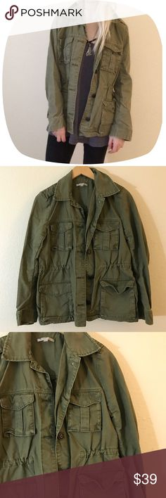"""•Military Style Perfect Fit Anorak• •MEASUREMENTS• Bust-40"""" Length- 25""""  •DETAILS • •Model is 5' 5"""" and is a size XS• High quality canvas material • cinch-able waist• button up closure• great condition• if you like and oversized fit this looks nice on XS-S as well•zip sleeves•• Brand is """"Gap""""•  ••NO TRADES••❌NOT URBAN OUTFITTERS❌ #90s #vintage #oversized #goth #punk #army #oversized #boyfriend #grunge #khaki Urban Outfitters Jackets & Coats Utility Jackets"""