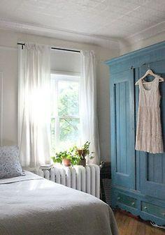 myidealhome:  lace summer dress on a vintage wardrobe: i'm in love (via Design*Sponge)