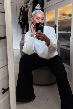 Wide leg knit pants New York Winter Outfit, Winter Outfits 2019, Plus Size Winter Outfits, Classy Winter Outfits, Winter Outfits For School, Winter Outfits Women, Wardrobe Basics, Capsule Wardrobe Work, Simple Wardrobe