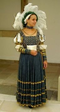 1500 renaissance clothing - Google Search