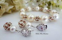 Swarovski Pearl Champagne Crystal Bracelet by DebraAnnCreations.etsy.com #swarovskijewelry #champagnewedding #braceletset #pearljewelry #champagnejewelry