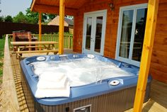 Hot tub at Oaklands Country Lodges, Derbyshire