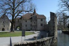 Diese Highligts erwarten dich auf Schloss Hallwyl – Gregors Blog Gregor, Mansions, House Styles, Switzerland, Trench, Swiss Guard, Manor Houses, Villas, Mansion