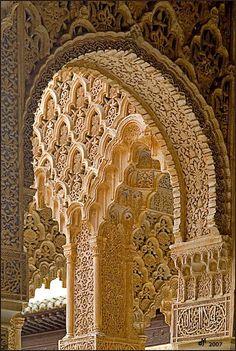 Arabesques, a photo from Granada, Andalucia Architecture Antique, Art Et Architecture, Islamic Architecture, Beautiful Architecture, Beautiful Buildings, Architecture Details, Architecture Wallpaper, Granada Andalucia, Granada Spain