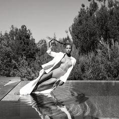 """Flaunt Magazine"" Beyoncé Updated Her Instagram Account 12.09.2015"