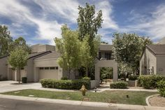 Townhome in the prestigious guard-gated community of Gainey Ranch.