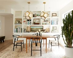 Orcondo Dining Room Gets Dinner-Party Ready with a Rug from Loloi   Hommemaker