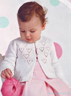 Thanks aleyvanarciso for this post. Lovely pull for bab.Baby sweater in one piece, very easy to make. Lovely pull for baby, easy to knit. Baby Knitting Patterns, Baby Cardigan Knitting Pattern, Knitted Baby Cardigan, Knit Baby Sweaters, Knitting For Kids, Baby Patterns, Jacket Pattern, Knit Jacket, Baby Dress
