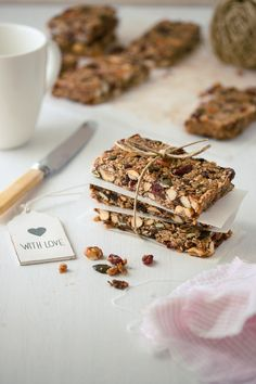 Versatile and healthy homemade granola bars, packed with your favorite ingredients.   prettysimplesweet.com