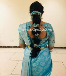 Order Fresh flower poolajada, bridal accessories from our local branches present over SouthIndia, Mumbai, Delhi, Singapore and USA. South Indian Wedding Hairstyles, Bridal Hairstyle Indian Wedding, Bridal Hair Buns, Diy Wedding Hair, Bridal Hairdo, Braided Hairstyles For Wedding, Bridal Sari, Wedding Saree Blouse Designs, Pattu Saree Blouse Designs