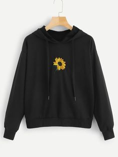 Shop Plus Floral Embroidery Hooded Sweatshirt online. SHEIN offers Plus Floral Embroidery Hooded Sweatshirt & more to fit your fashionable needs. Hoodie Sweatshirts, Sweatshirts Online, Hoody, Outfits With Sweatshirts, Sweat Noir, Trendy Hoodies, Hoodies For Girls, Cool Outfits, Sweatpants Outfit