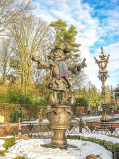 Visit Efteling theme park - the most magical amusement park in the world. Find out in this complete guide everything you need to know about Efteling. Psychedelic Drawings, Knock On The Door, Peter Paul Rubens, Principles Of Art, Fairytale Art, Albrecht Durer, Renaissance Art, Illuminated Manuscript, Food Illustrations