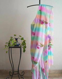 Floral Print Sarees, Printed Sarees, Corporate Fashion, Chiffon Saree, Georgette Sarees, Sari Blouse Designs, Embroidery Suits Design, Party Wear Lehenga, Saree Trends