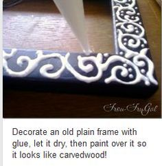 Carved wood effect on mirror using silicone/glue gun