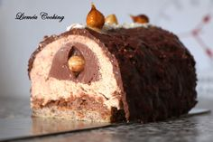 Ferrero Rocher praline log – Lieméa Cooking – Famous Last Words Cheesecake Bites, Cheesecake Recipes, Cookie Recipes, Snack Recipes, Christmas Cheesecake, Pumpkin Cheesecake, Cheap Clean Eating, Clean Eating Snacks, Christmas Eve Dinner