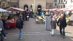 Elke maand vindt in Groningen de Ommelander Markt plaats, een gezellige markt waar je kennis maakt met lokale producenten en boeren en hun producten.
