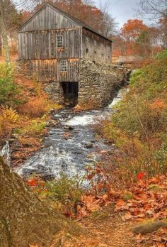 I love old barns and old bridges in the fall. by Kalison I love old barns and old bridges in the fal Country Barns, Country Life, Country Living, Country Roads, Farm Barn, Old Farm, Old Bridges, Barn Pictures, Country Scenes