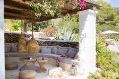 Reforma de una casa payesa en las Salinas - MIV INTERIORES Ibiza Style Interior, Interior Styling, Interior Design, Outdoor Spaces, Outdoor Living, Outdoor Decor, Rustic Kitchen, Rustic Farmhouse, Mediterranean Style
