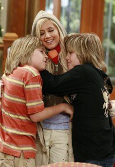 Hahahahah I love this photo look at Maddie and Zack