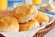 Mit dem Rezept für Buttermilch Frühstücksgebäck lassen sich kleine Leckereien zubereiten, die nicht nur zum Frühstück gut schmecken.