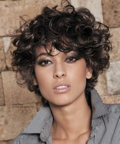 Short curly hairstyles look trendy and are easy to maintain. 111 short curly haircuts for thick & thin hair, oval, long & fat faces and many more. Short Curly Hairstyles For Women, Curly Hair Styles, Curly Hair Cuts, Loose Hairstyles, Short Hair Cuts, Medium Hair Styles, Curly Short, Hairstyles Pictures, Short Hair With Perm