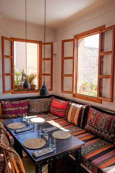 Arabic Decor, Pastel Home Decor, Home Entrance Decor, Rustic Living Room Furniture, Ethnic Home Decor, Design Salon, Moroccan Interiors, House Rooms, Home And Living
