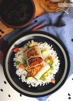 Receta de burritos vegetarianos (para cuando no apetece comer carne o pescado) Good Healthy Recipes, Veggie Recipes, Mexican Food Recipes, Cooking Recipes, Ethnic Recipes, Veggie Food, Vegetarian Burrito, Vegetarian Recepies, Recipes