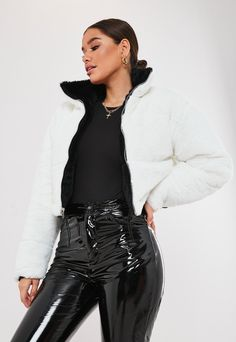 Petite Black And White Reversible Faux Fur Bomber Jacket. Order today & shop it like it's hot at Missguided. Fur Bomber, Black Bomber Jacket, Petite Outfits, Cute Outfits, Look Girl, Winter Fits, Short Girls, Missguided, Coats For Women