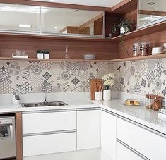 Minimalist Kitchen Decor: Stylish Ideas For Your Home Improvement Plan Kitchen Room Design, Kitchen Cabinet Design, Kitchen Sets, Modern Kitchen Design, Home Decor Kitchen, Interior Design Kitchen, Home Kitchens, Small Kitchens, Cottage Kitchens