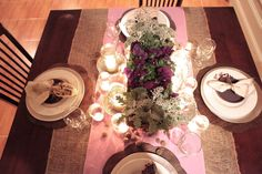 Tablesetting burlap and purple.