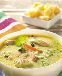 Groenteroomsoep met kippenreepjes - Colruyt Culinair ! Dutch Recipes, Soup Recipes, Healthy Recipes, Belgian Food, Good Food, Yummy Food, Bowl Of Soup, Recipe Details, I Foods