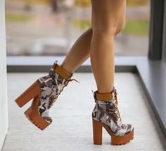 Botine army cu talpa si toc gros imprimeu camuflaj Shoes, Fashion, Moda, Zapatos, Shoes Outlet, Fashion Styles, Fasion, Footwear, Shoe