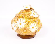 Vintage Daisy Cookie Jar Yellow and White by LeVintageGalleria
