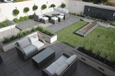 An elegant modern garden modern garden by robert hughes garden design is part of Rooftop garden Plans - Here you will find photos of interior design ideas Get inspired!