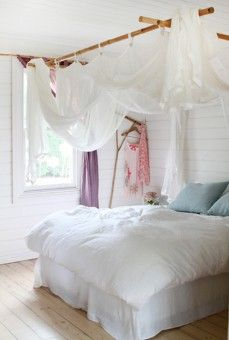 Much niftier version of a four-poster.  And totally DIY!