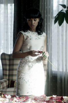 """Giambattista Valli"" beige/green and silk dress worn by Olivia Pope (Kerry Washington) on Scandal, Season 4."