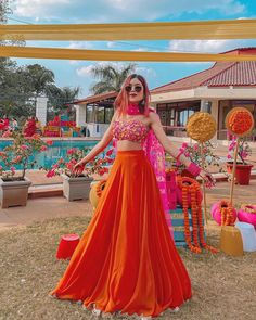 Party Wear Indian Dresses, Designer Party Wear Dresses, Indian Gowns Dresses, Indian Bridal Outfits, Party Wear Lehenga, Indian Fashion Dresses, Dress Indian Style, Wedding Dresses For Girls, Red Lehenga