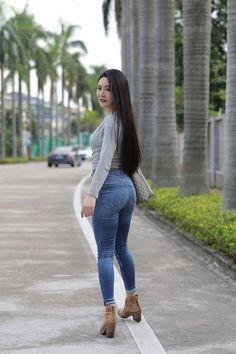 Ideas For Fashion Asian Girly Jeans Sexy Jeans, Skinny Jeans, Belle Nana, Beautiful Asian Women, Sexy Asian Girls, Girls Jeans, Black Dress Outfits, Sexy Women, Pants For Women