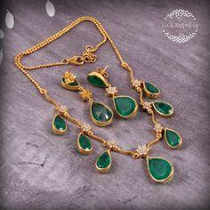 Jewelry Design Earrings, Gold Earrings Designs, Gold Jewellery Design, Pendant Jewelry, Beaded Jewelry, Simple Necklace Designs, Jewelry Box, Jewelery, Handmade Jewelry