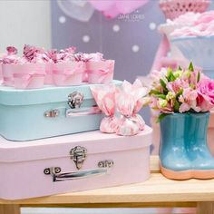 Candy Table, Candy Buffet, Sky Design, Birthday Decorations, Diy And Crafts, Decorative Boxes, Alice, Baby Shower, Rainbow
