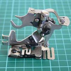 Singer Sewing Machine Accessories and Tools Photo Gallery comprehensive list of vintage Singer attachments
