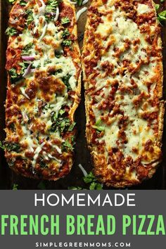 This easy, homemade french bread pizza recipe takes only 20 minutes to make! All you need is bread, sauce , cheese and your choice of toppings! Plus, it's a healthy alternative to take-out pizza! Pizza Recipes, Lunch Recipes, Dinner Recipes, Dinner Ideas, Bread Recipes, Pizza Recipe No Yeast, Healthy Homemade Pizza, Homemade French Bread, French Bread Pizza