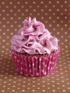 750 grammes vous propose cette recette de cuisine : Cupcakes tout framboise. Recette notée 3.3/5 par 12 votants