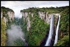 Esse lugar é de tirar o folego... SENSACIONAL...Canyon, itaimbezinho, Rio grande do Sul, Brasil.