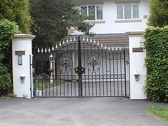 Balustrades and balconies Manchester - http://www.dhgates.co.uk/wrought-iron-balconies-balustrades/