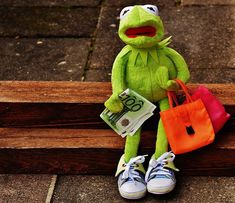 Find images of Kermit. ✓ Free for commercial use ✓ No attribution required ✓ High quality images. Sapo Kermit, Les Muppets, Funny Images, Funny Pictures, Sapo Meme, Frog Wallpaper, Persona, Kermit The Frog, Cute Memes