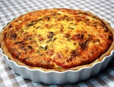 Tuna and asparagus tart Quiche Recipes, Tart Recipes, Dessert Recipes, Cooking Recipes, Savoury Recipes, Seafood Recipes, Desserts, Tuna Dishes, Fish Dishes